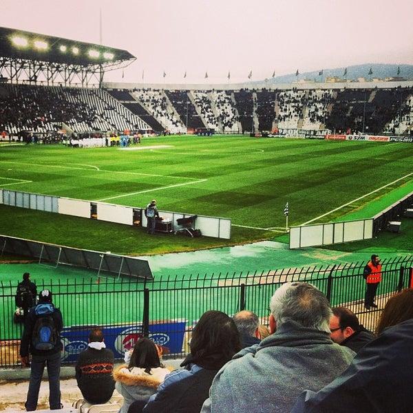รูปภาพถ่ายที่ Toumba Stadium โดย Όμηρος Κ. เมื่อ 2/24/2013