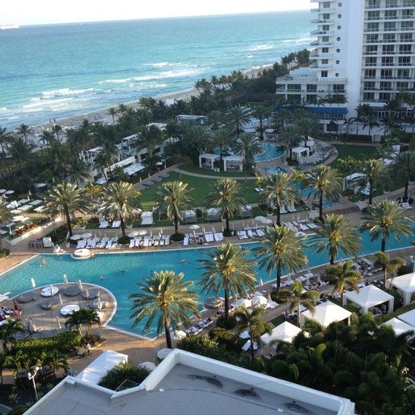 Photo prise au Fontainebleau Miami Beach par Valentina S. le2/11/2013