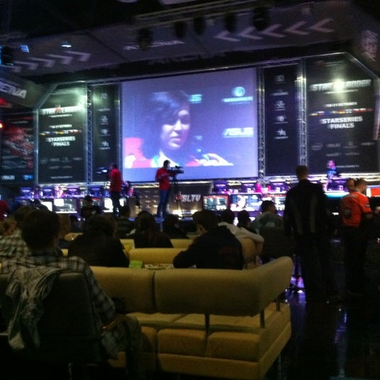 Foto tirada no(a) Киберcпорт Арена por Александр Н. em 10/20/2012