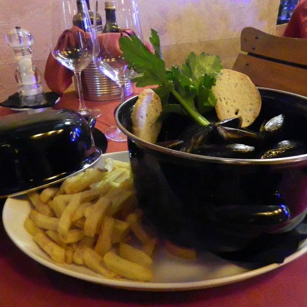 Photo prise au Il Maglio Rock House Restaurant par Il Maglio Rock House Restaurant le3/18/2016