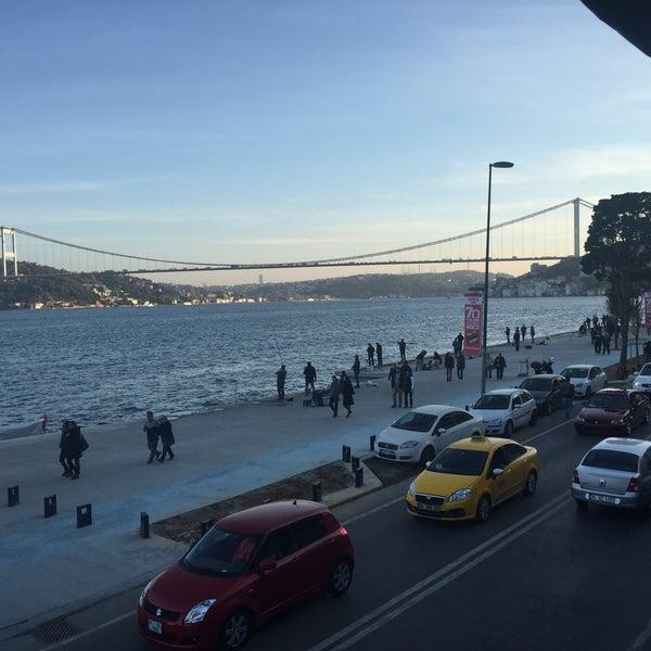 Foto tomada en Taş Kahve Cafe & Restaurant por Numan T. el 11/15/2015