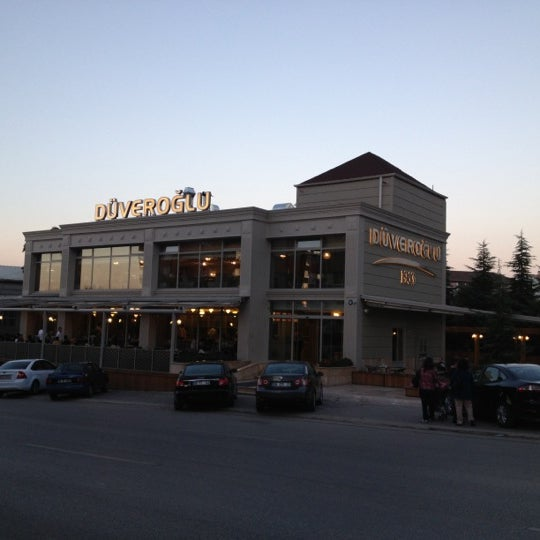 Das Foto wurde bei Düveroğlu von Tamer Y. am 10/15/2012 aufgenommen