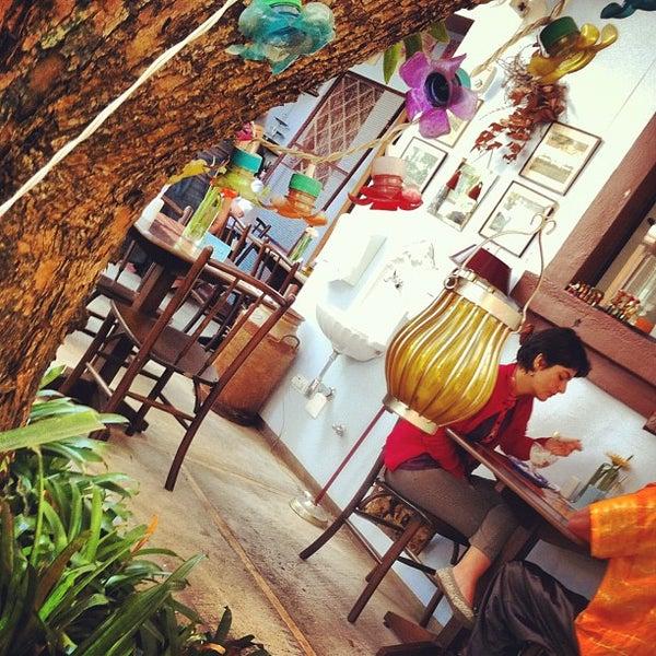 Foto diambil di Café Ambrosio oleh Pedro O. pada 9/14/2012