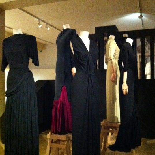 Foto tirada no(a) MoMu - ModeMuseum Antwerpen por Sandra em 10/21/2012