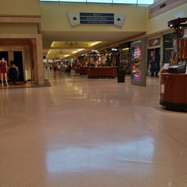 University Village Shopping Center Colorado Springs: 39 Tips From 3804 Visitors