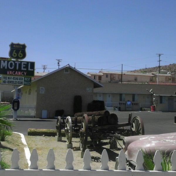Foto diambil di Route 66 Motel oleh Extreme Road Trip pada 8/17/2013