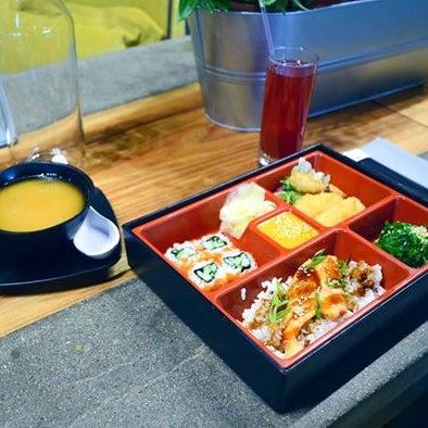Постоянство награждается! Дарим 6-й ланч в подарок в #Kabuki в МЕГЕ Химки и напоминаем, вы можете заказать сытный Бенто-ланч во всех ресторанах сети по будням с 12:00 до 16 :00;)