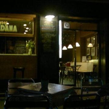 รูปภาพถ่ายที่ Jonny Aldana Bar โดย Joan M. เมื่อ 10/23/2012