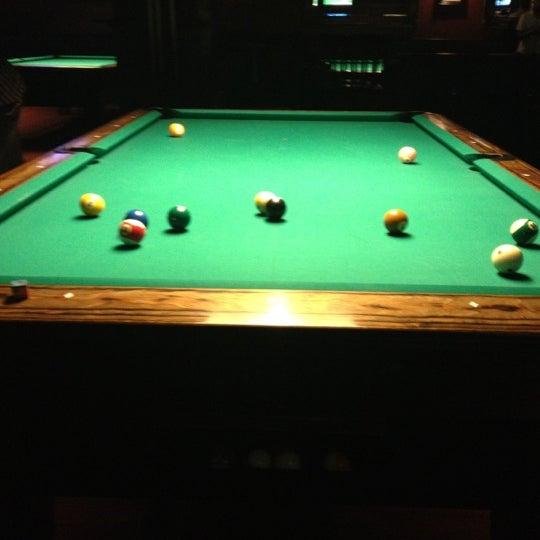 Foto tomada en Society Billiards + Bar por Ray D. el 9/16/2012