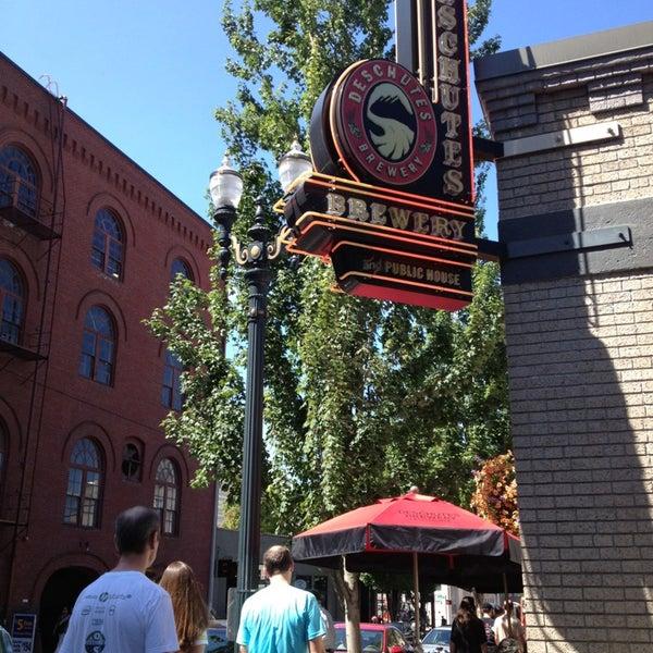 7/23/2013にClaireがDeschutes Brewery Portland Public Houseで撮った写真