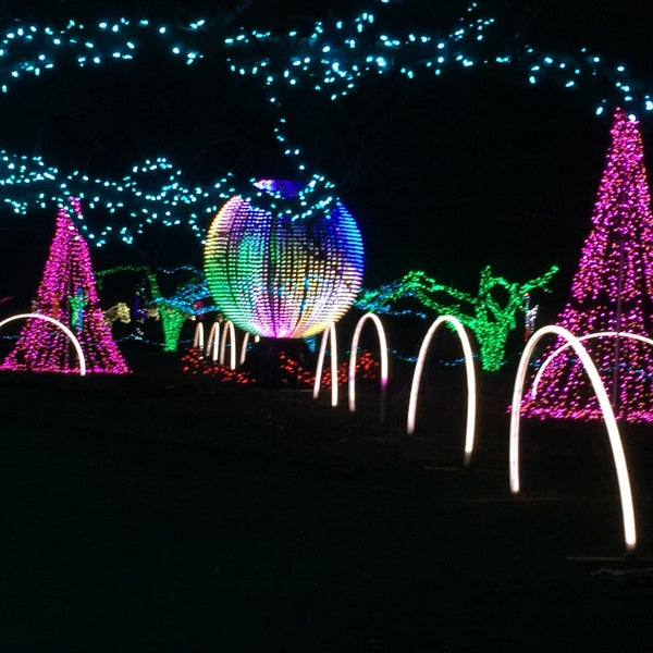 Detroit Zoo Christmas Lights.Wild Lights Detroit Zoo Now Closed Huntington Woods Mi