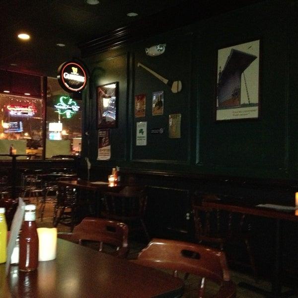 Foto tomada en Duffy's Irish Pub por Jason el 12/18/2012