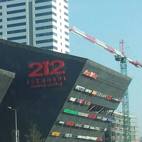 Снимок сделан в 212 İstanbul Power Outlet пользователем Musa K. 5/22/2013