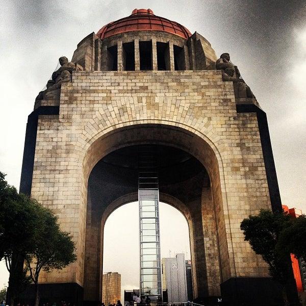 Foto tomada en Monumento a la Revolución Mexicana por Cyn O. el 6/22/2013