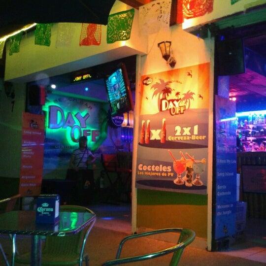 Foto diambil di Day Off Beach Bar oleh Abril G. pada 9/25/2012