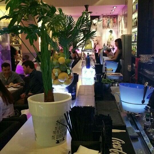 6/5/2015にRolando C.がLarios Caféで撮った写真