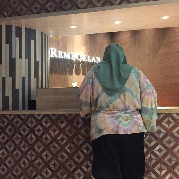 Foto scattata a REMBOELAN Indonesian Soulfood da kristianto u. il 3/19/2017