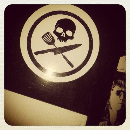 10/25/2012 tarihinde Carolina G.ziyaretçi tarafından Rock 'n' Roll Burger'de çekilen fotoğraf
