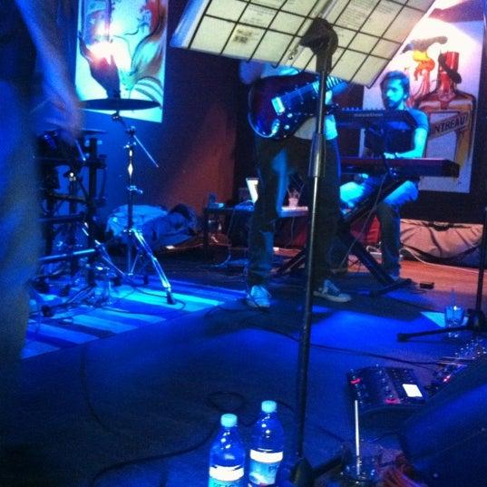 Das Foto wurde bei Bobino Club von Alessandra V. am 11/15/2012 aufgenommen