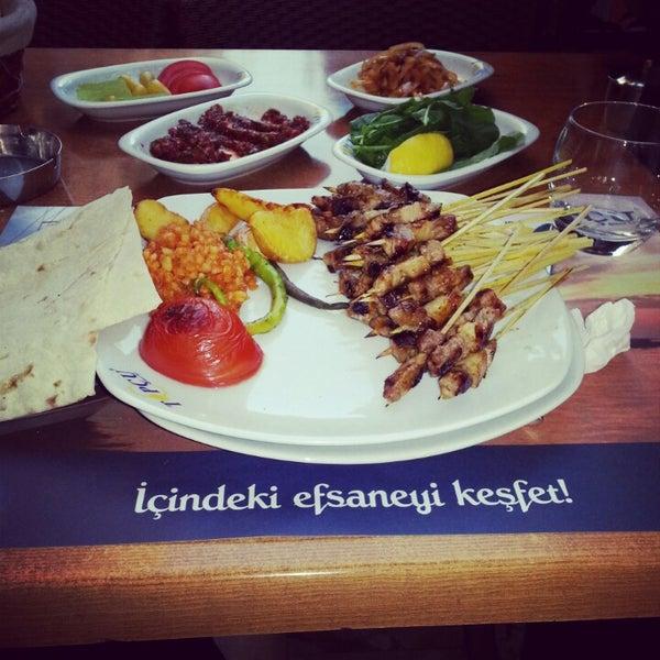 Foto diambil di Topçu Restaurant oleh Erkan K. pada 10/18/2012