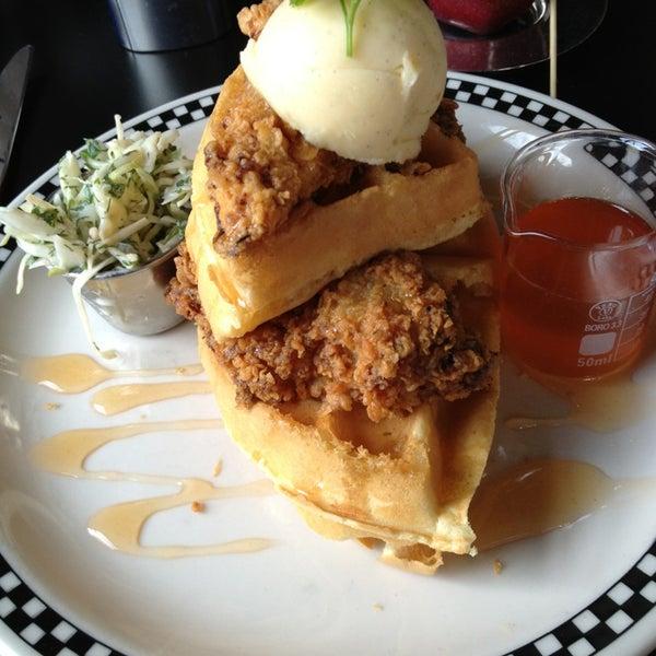 1/26/2013 tarihinde Sean R.ziyaretçi tarafından SCHOOL Restaurant'de çekilen fotoğraf