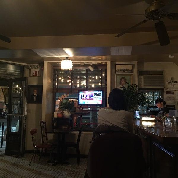 รูปภาพถ่ายที่ Pinkerton Wine Bar โดย Rick C. เมื่อ 11/8/2016