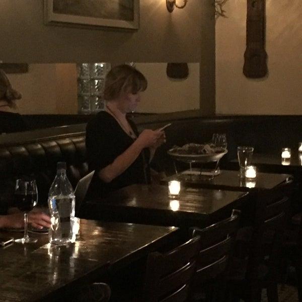 Foto scattata a Pinkerton Wine Bar da Rick C. il 11/7/2016