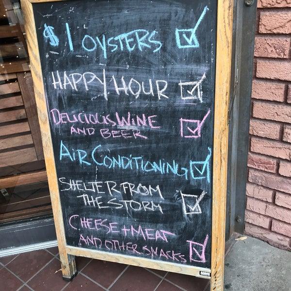 รูปภาพถ่ายที่ Pinkerton Wine Bar โดย Rick C. เมื่อ 7/24/2017