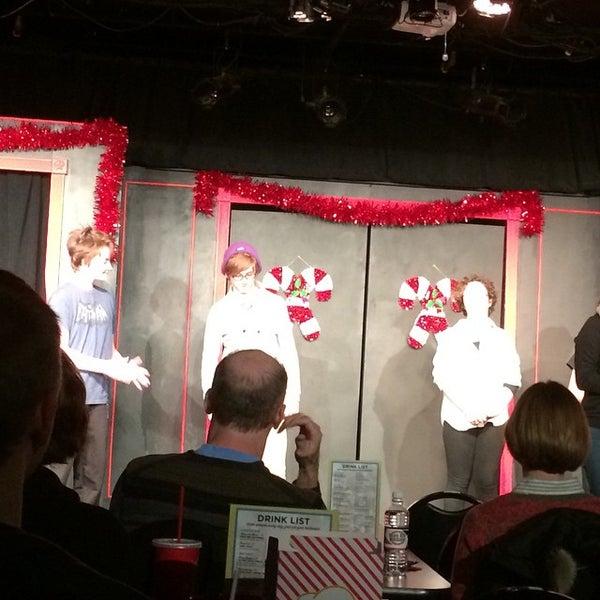 12/7/2014에 KImberly P.님이 Brave New Workshop Comedy Theatre에서 찍은 사진