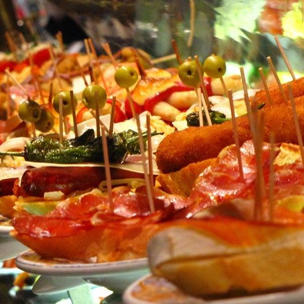 Das Foto wurde bei Restaurante AliOli von Restaurante AliOli am 1/13/2017 aufgenommen