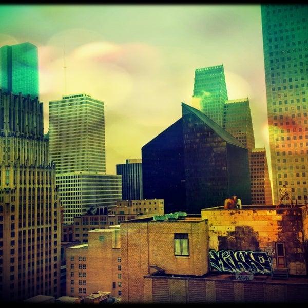 Снимок сделан в Magnolia Hotel пользователем Sarah ☮. 1/15/2013