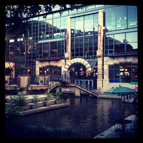 Rivercenter Mall Shopping Mall In San Antonio