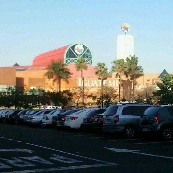 รูปภาพถ่ายที่ Shopping Iguatemi โดย Danilo P. เมื่อ 7/7/2013
