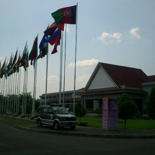 Das Foto wurde bei Jogja Expo Center (JEC) von hartanto am 10/25/2012 aufgenommen