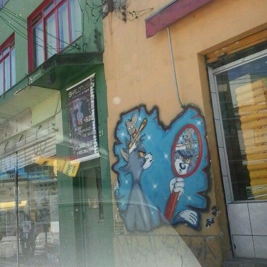 10/15/2012 tarihinde Jeffersonziyaretçi tarafından Shopping Center Penha'de çekilen fotoğraf