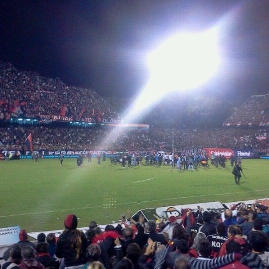 Foto scattata a Estadio Marcelo Bielsa (Club Atlético Newell's Old Boys) da Nicolás C. il 5/27/2013