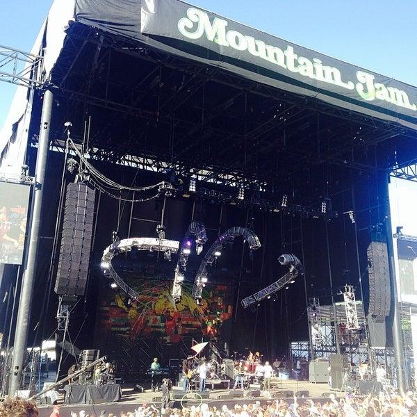 Das Foto wurde bei Mountain Jam von Michael W. am 6/7/2014 aufgenommen