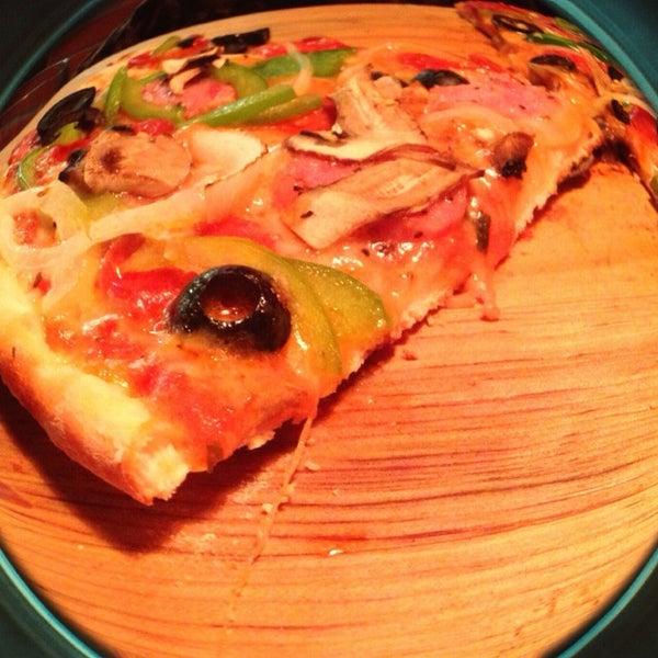 9/5/2014 tarihinde Cristian Jesusziyaretçi tarafından Flippin' Pizza'de çekilen fotoğraf