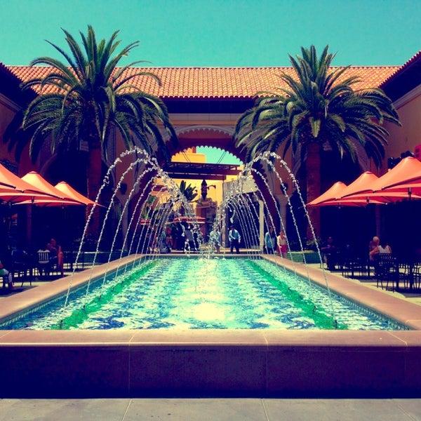 Снимок сделан в Irvine Spectrum Center пользователем Rudy 7/22/2013