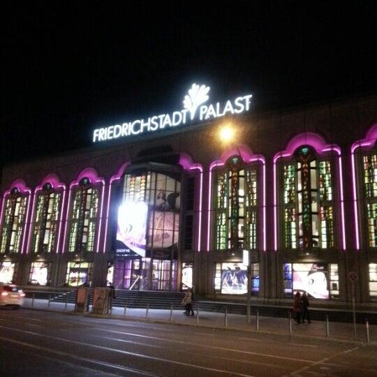 Das Foto wurde bei Friedrichstadt-Palast von Hasan Kemal U. am 10/20/2012 aufgenommen