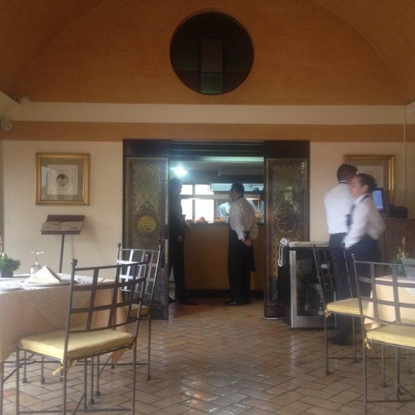 รูปภาพถ่ายที่ Hotel de la Opera โดย Gina เมื่อ 11/22/2013