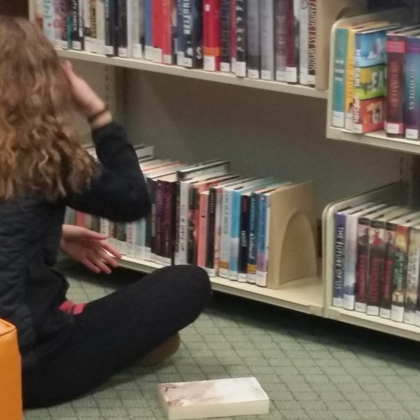 Foto tirada no(a) Geneva Public Library District por Geneva Public Library District em 2/9/2017