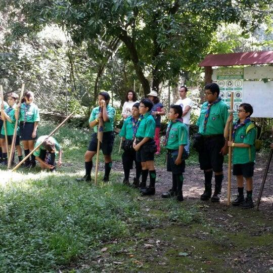 รูปภาพถ่ายที่ Campo Escuela Scout Meztitla โดย pepeguicho เมื่อ 10/4/2015