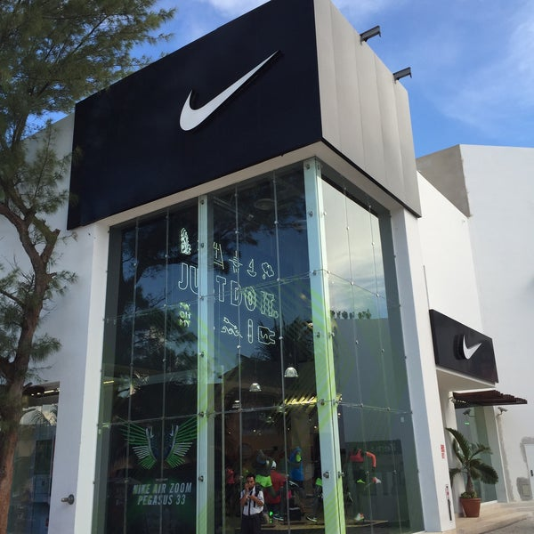 Centralizar Intrusión No quiero  Photos at Nike - 5ta Avenida S/N Esq. Calle 4