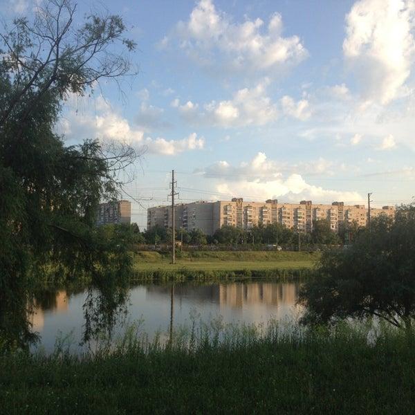 รูปภาพถ่ายที่ Троєщинський канал โดย Галченок;) เมื่อ 6/5/2013