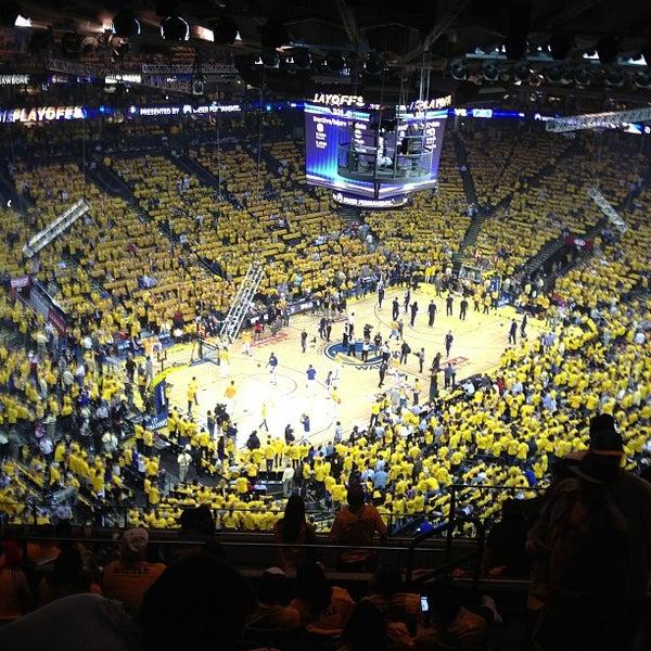 รูปภาพถ่ายที่ Oakland Arena โดย Tom เมื่อ 5/3/2013