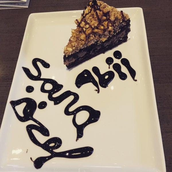 Das Foto wurde bei Social Roof FCM Cafe von .... .. am 3/26/2015 aufgenommen
