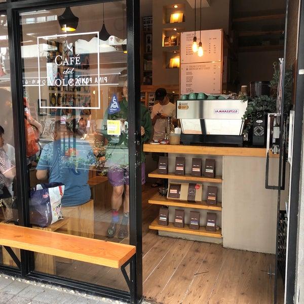 Foto tirada no(a) Café del Volcán por Ilan B. em 6/16/2019