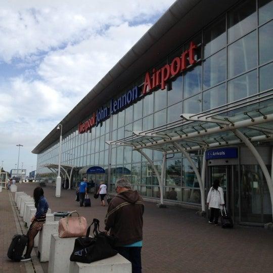 รูปภาพถ่ายที่ Liverpool John Lennon Airport (LPL) โดย Brickweb เมื่อ 9/4/2012