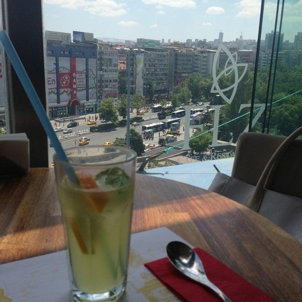 7/19/2013 tarihinde İpek Y.ziyaretçi tarafından Flz Cafe & Restaurant'de çekilen fotoğraf